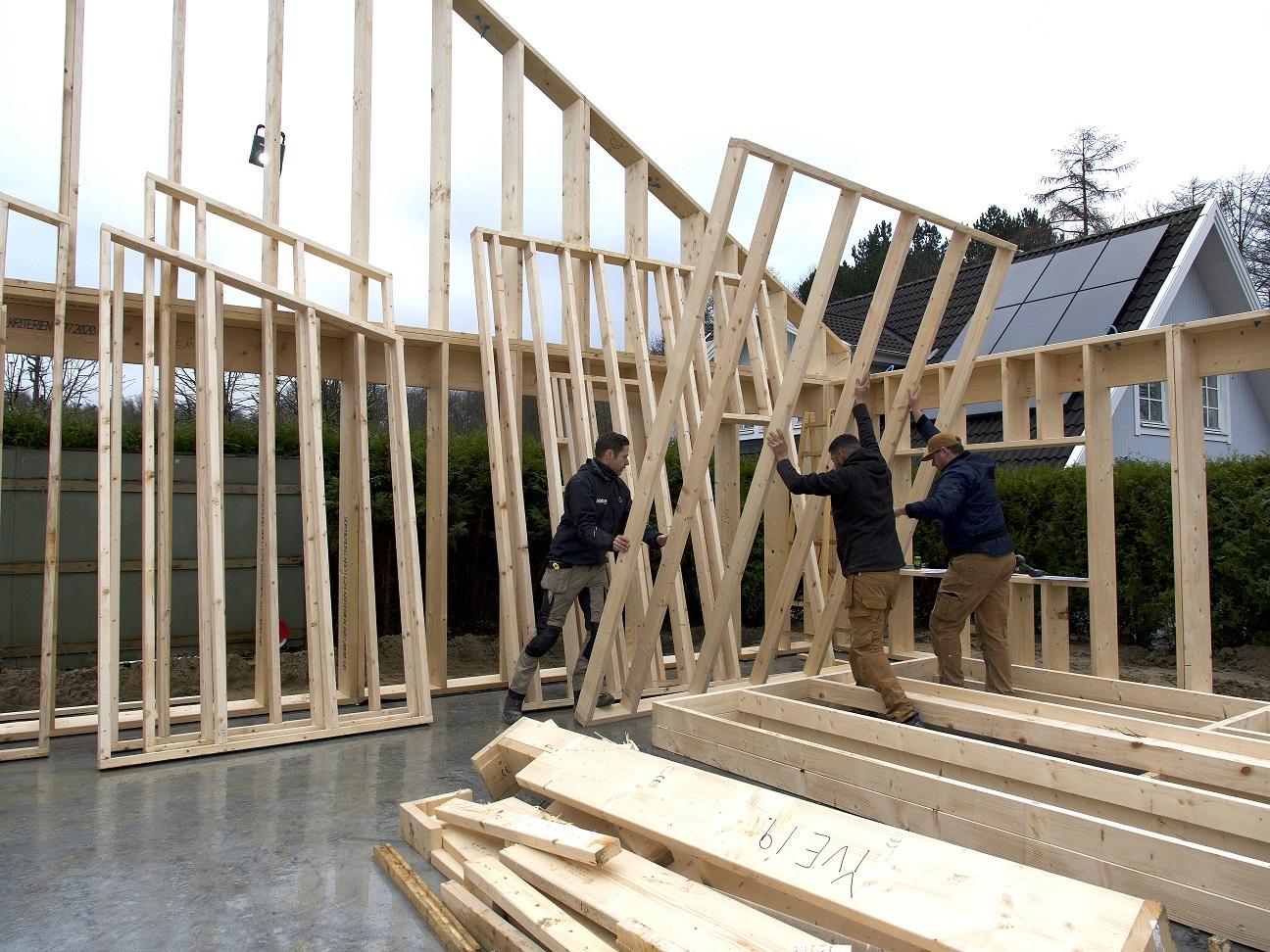 Udvikling af brandgodkendte løsninger til at bygge bæredygtige træhuse er sat i gang!